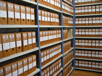 un'archivio con documenti
